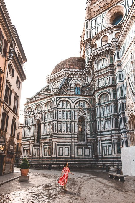 Wandering next to the Cathedral of Santa Maria del Fiore at sunrise, Florence