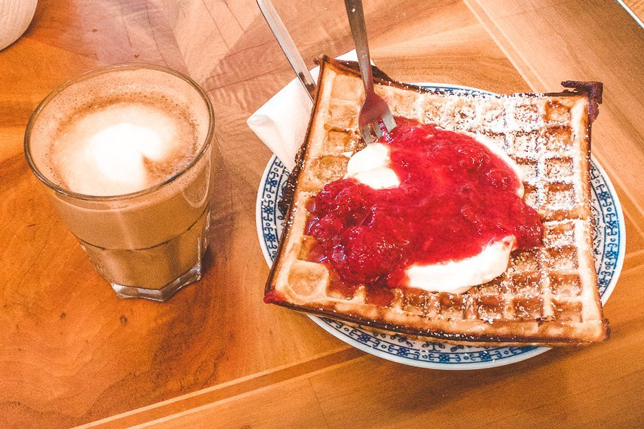 Waffles and coffee from Kauf Dich Glücklich Café & Mehr, Berlin