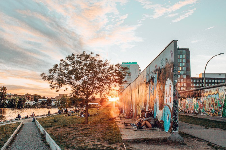 The sun sets over East Side Gallery, Berlin