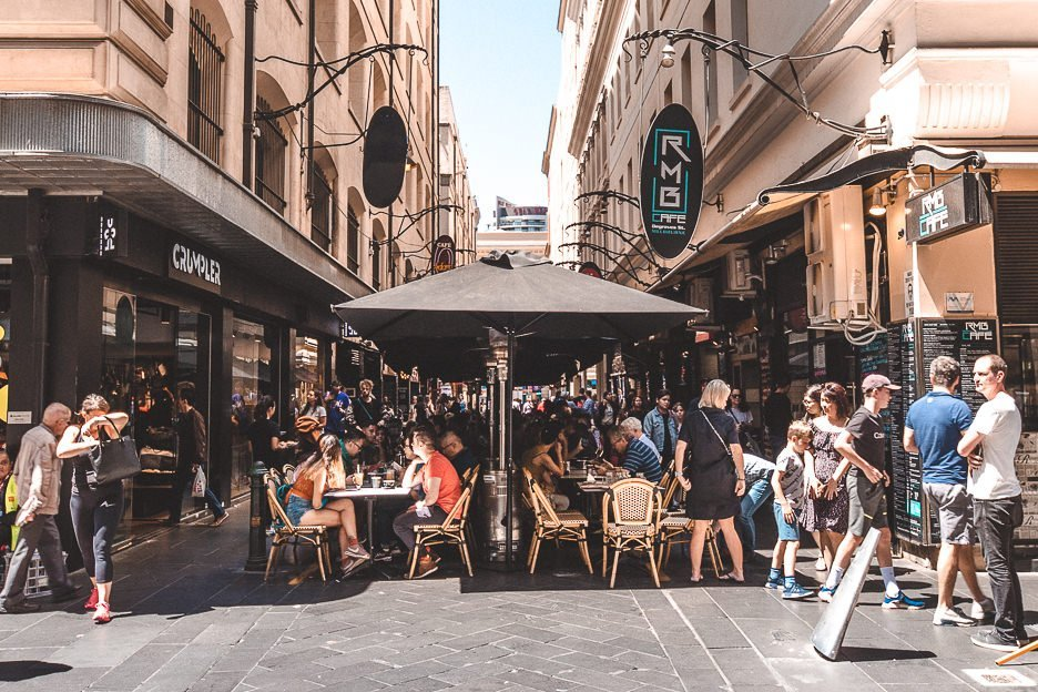 Outdoor cafes in Melbourne laneways - Melbourne Travel Guide