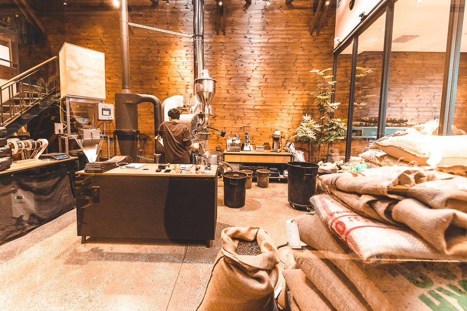 Roasting machine coffee beans at Allpress Roastery | best specialty coffee in Tokyo