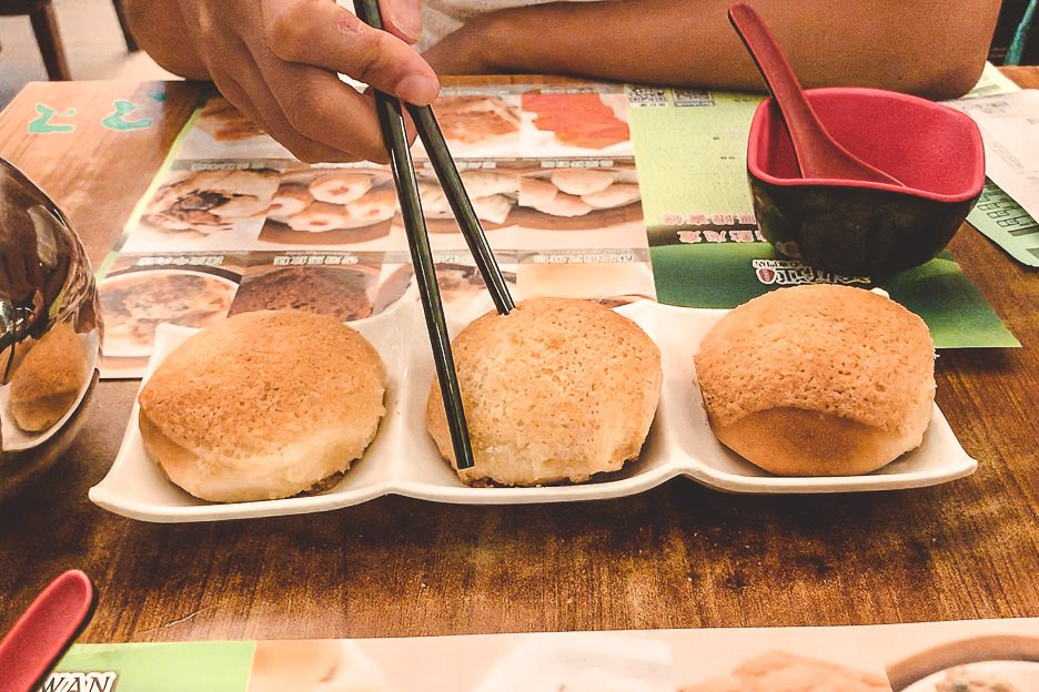 Baked BBQ pork buns at Tim Ho Wan - must-try food in your 4 day Hong Kong itinerary