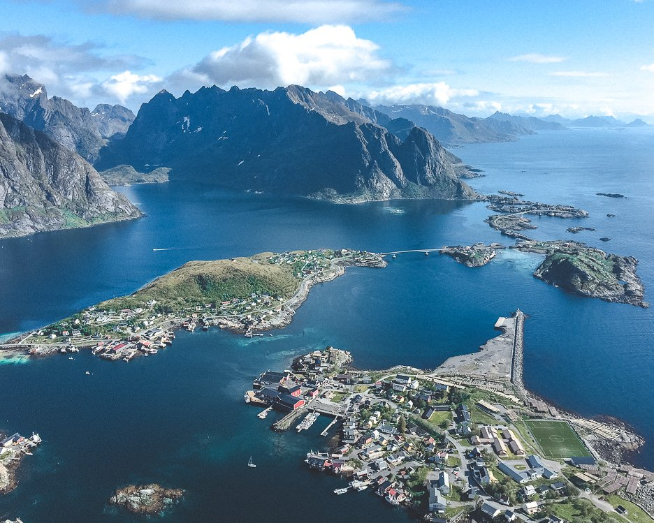 Hiking Reinebringen in Lofoten Norway: A story of overcoming mud and FOMO | hiking reinebringen 2