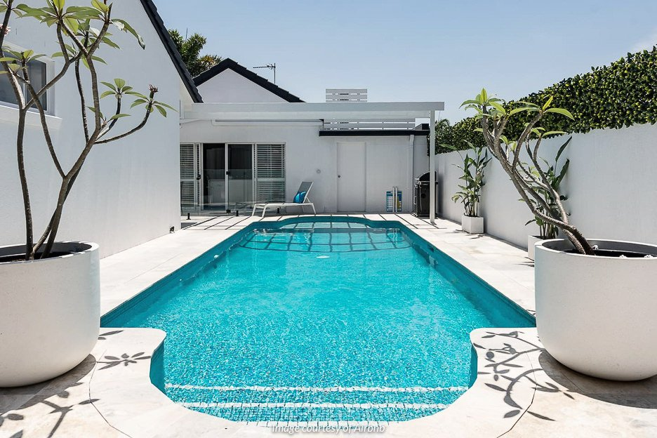 The Pool House, Mermaid Waters | Gold Coast accommodation
