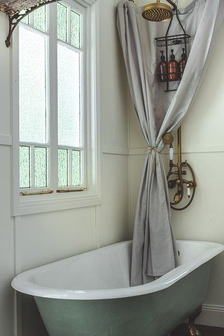 Claw foot bathtub and eco-friendly products - Palmer & Gunn