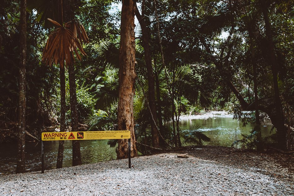 Warning signs close to Emmagen Creek